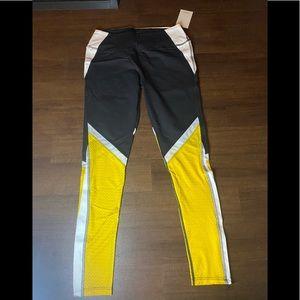 NWT Yellow/Black/White Splits59 Leggings - L